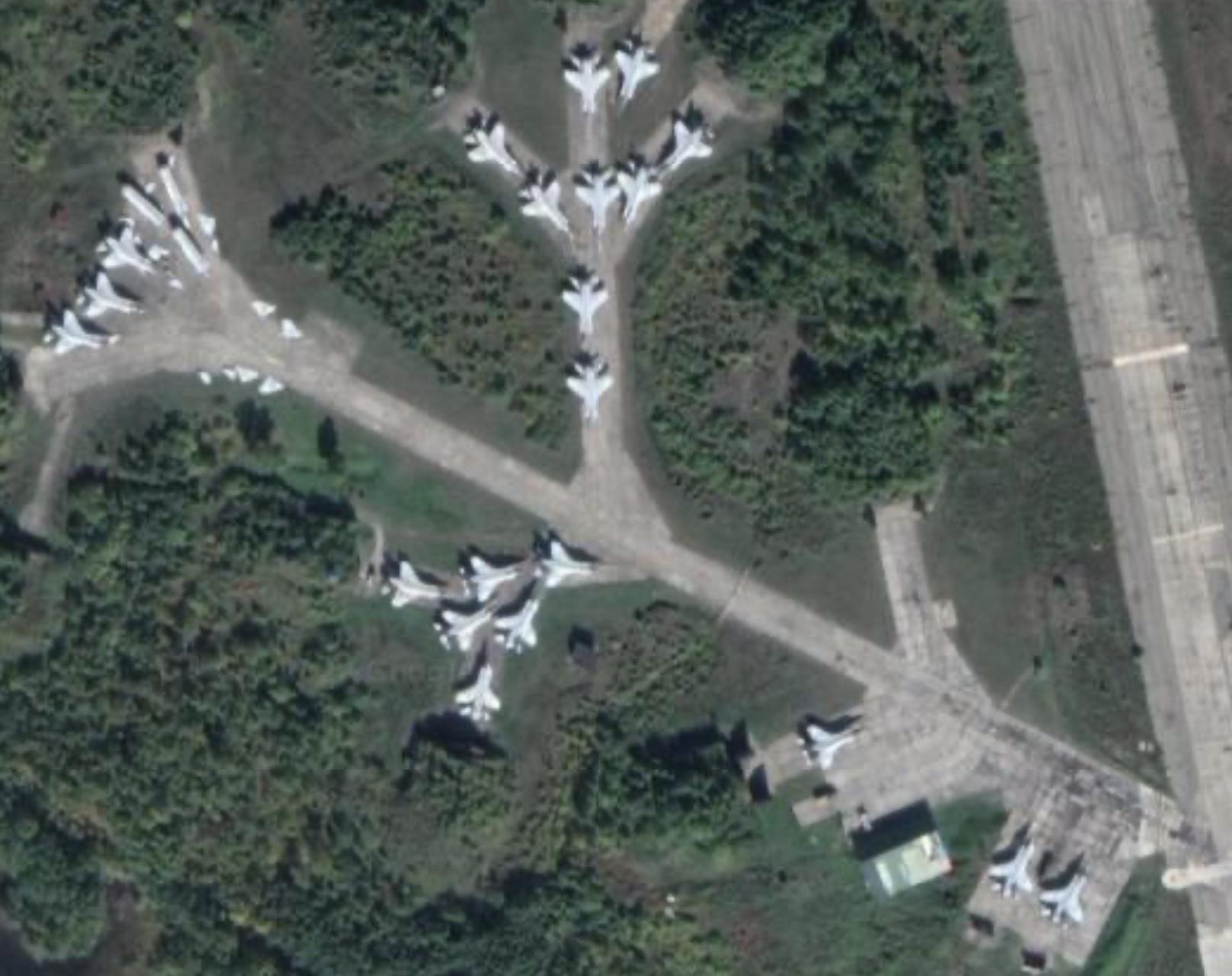 MiG 31s in front of hangars (Google Maps)